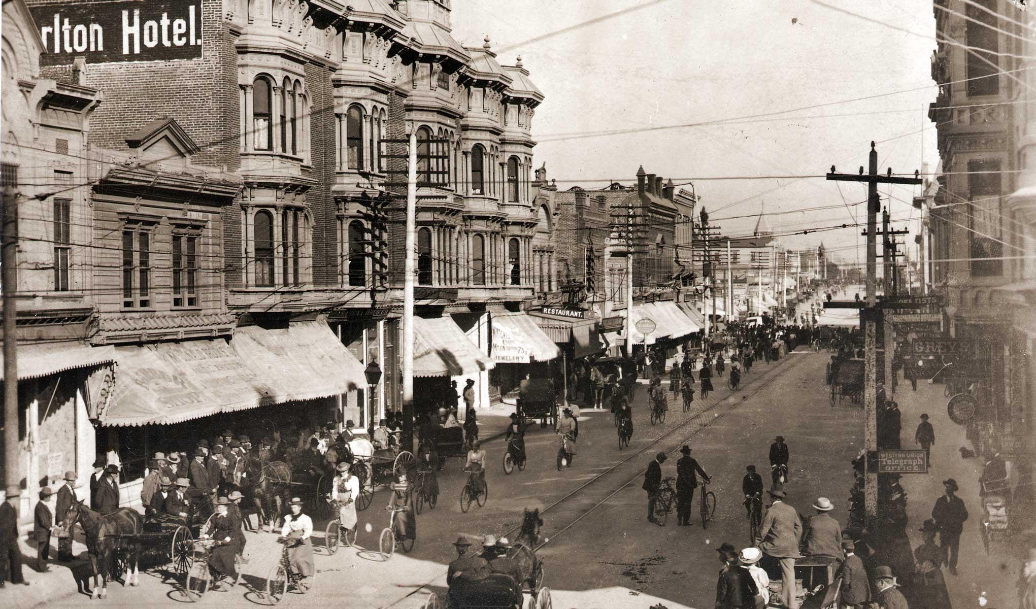 Old Pasadena Virtual Tour